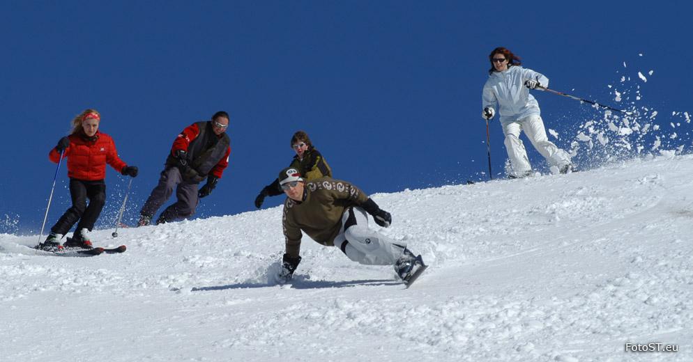 Skifahren carving und snowboarden